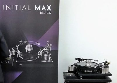 Initial-Max-Black-futomu