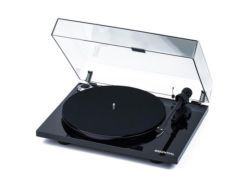 Pro-Ject lemezjátszó Essential III tetővel fekete