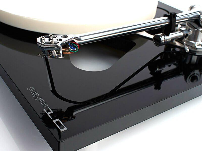 Rega lemezjátszó, RP10, fekete-fehér, részlet